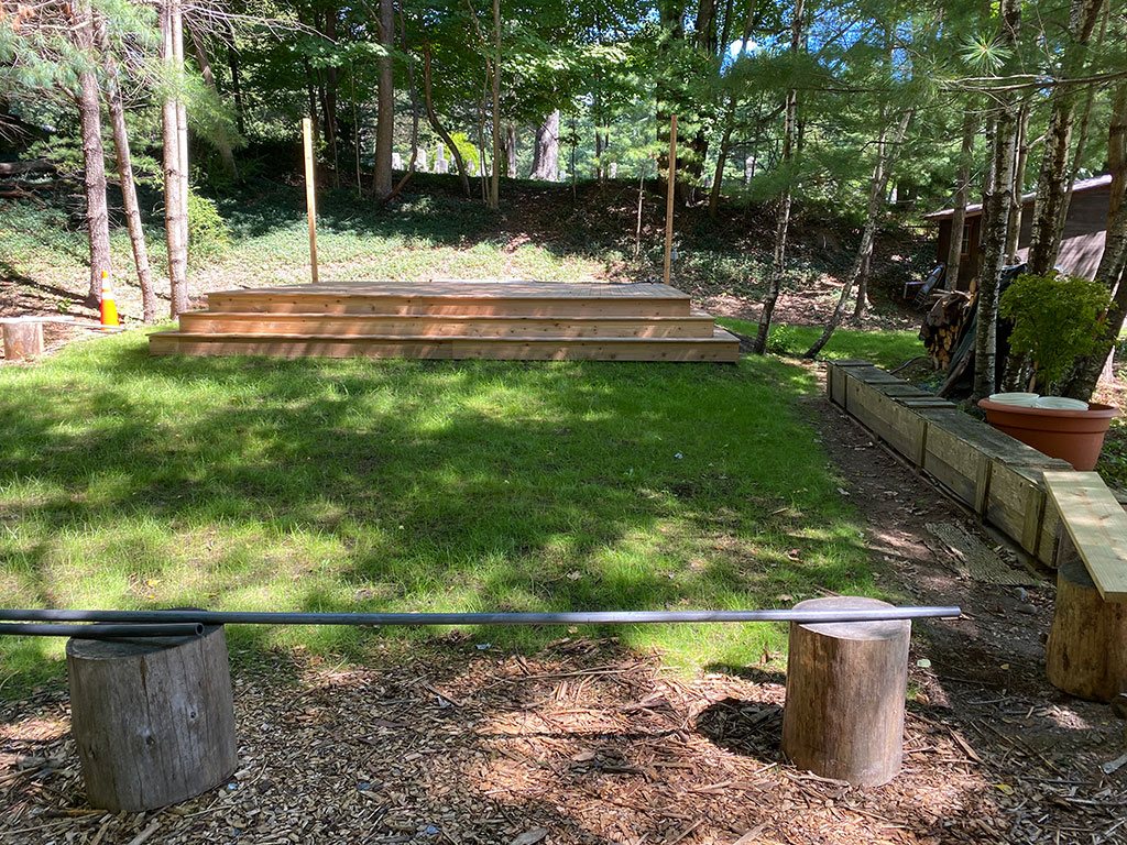 Mountain View Studio Outdoor Space with Deck